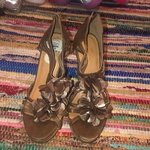 Tan/brown wedges size 7